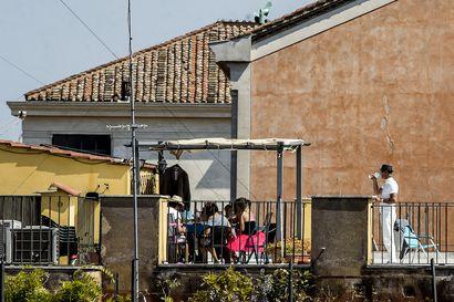 Espanja ja Italia aloittavat tällä viikolla varovaisen avautumisen
