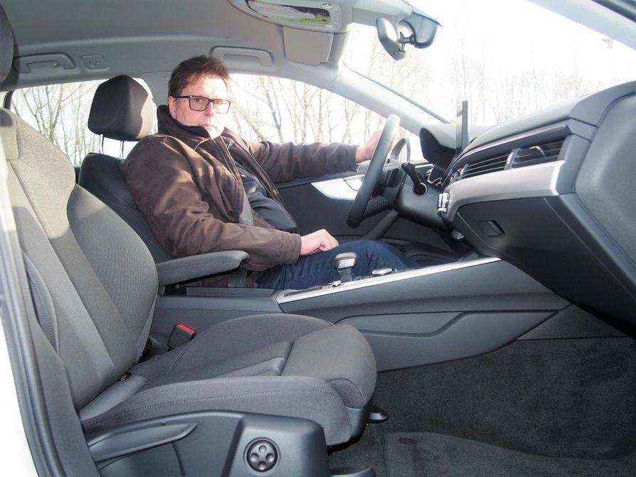 VTT:n johtava tutkija Juhani Laurikko vannoo biokaasun nimeen.