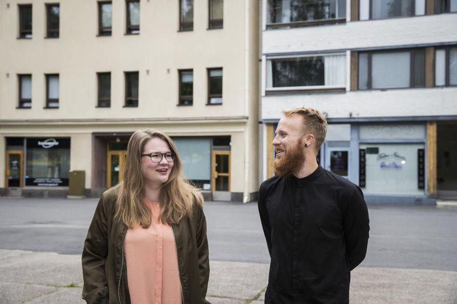 Lauri Ahtinen ja Hanna Jakku haluavat järjestää itsensä näköisen tapahtuman. Kävijätavoitteita ei kytätä, vaan tärkeintä on rento meininki.