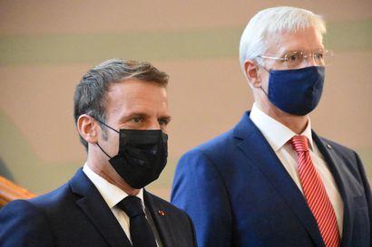 Emmanuel Macron myi Venäjä-linjaansa Baltian-kiertueella – presidentti hakee vuoropuhelua ja liittolaisia