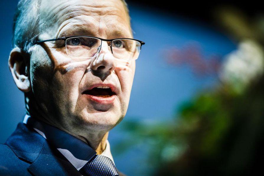 Maa- ja metsätalousministeri Jari Leppä sanoo, että kaivostoiminta ei saa olla uhka luonnolle tai Tornionjoen lohelle.
