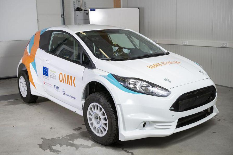 Erikoislujasta teräksestä valmistettu auto toteutettiin Oulun ammattikorkeakoulun konetekniikan osastolla osana kolmevuotista Ultra-hanketta.