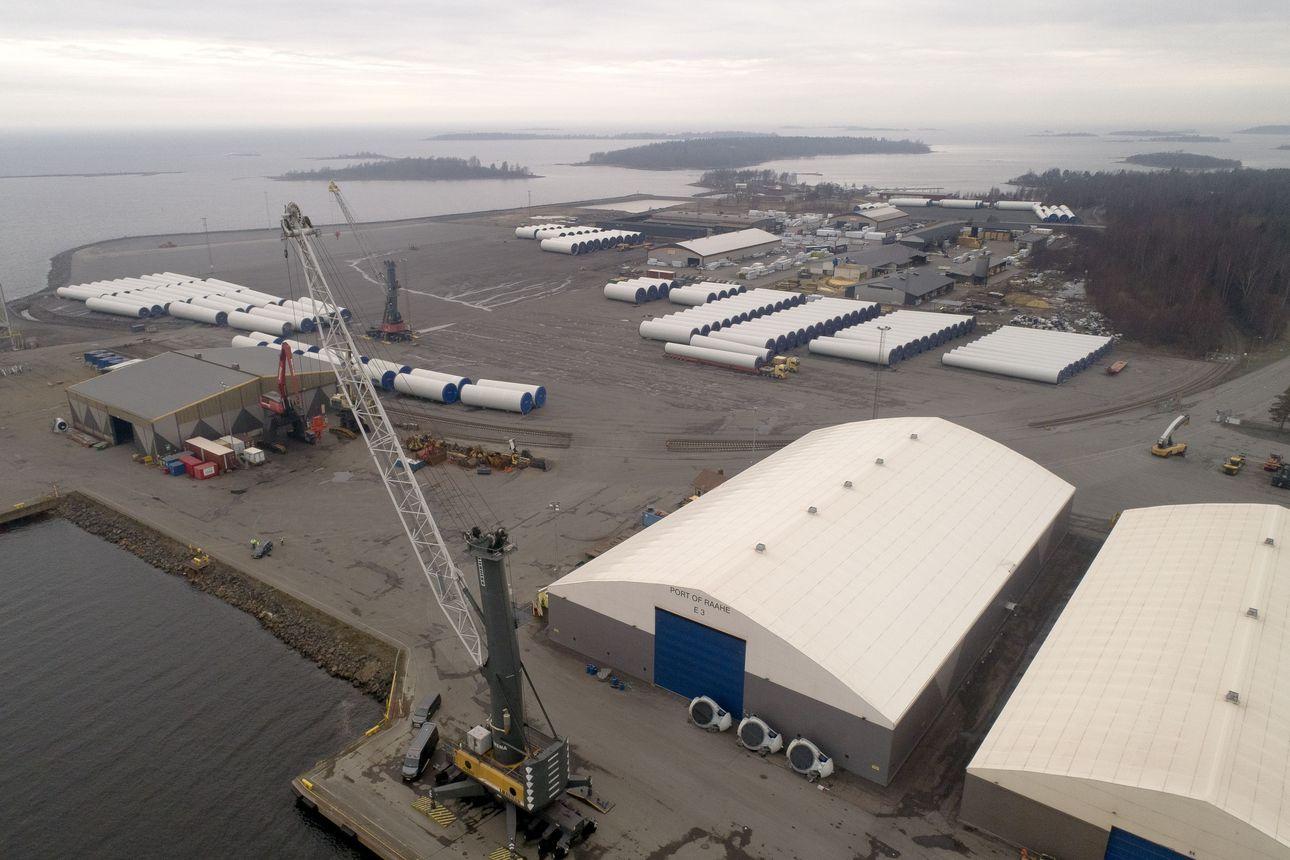 200-metrisen rahtilaivan ruumassa palo Raahen Lapaluodon satamassa, tuli saatu hallintaan