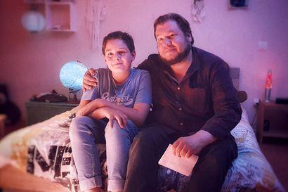 Arvio: Joonas Berghäll ryhtyi elokuvantekijänä borrelioosipotilaiden äänitorveksi