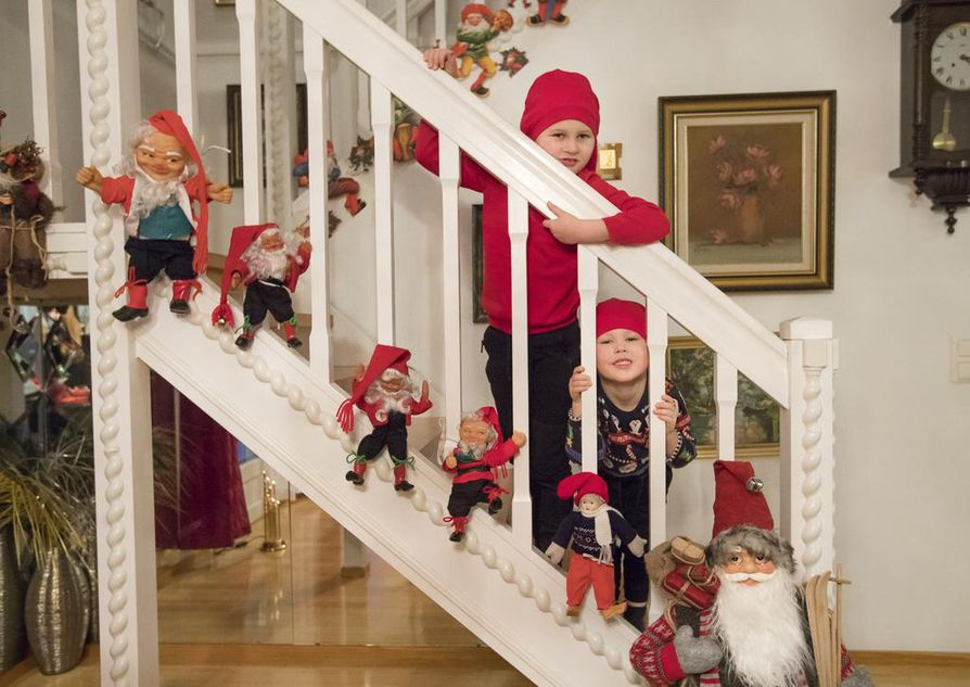 Joona ja Peetu ovat tuttuja vieraita mummon ja papan luona. Jouluista puuhastelua riittää jo hyvissä ajoin ennen joulua.