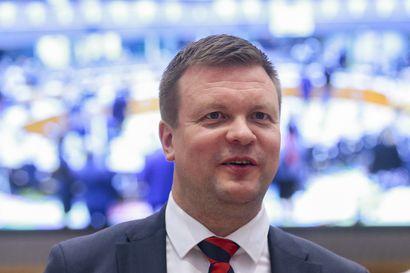"""Ministeri Skinnari: Suomelle yhteydenottoja brexitin vuoksi lähtöä harkitsevilta yrityksiltä – """"Nämä ovat ministerille iloisia soittoja"""""""