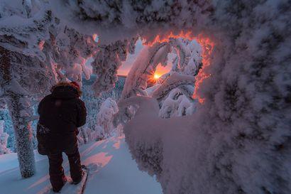 Auringonlaskun kuvaaja ikuisti kaverinsa kameraa säätämässä Syötteen päällä – kuva valittiin helmikuun lukijakuvaksi