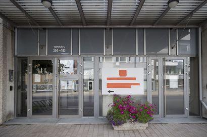 Vanha virastotalo saa väistyä oikeustalon tieltä Torikadulla – purkutyöt alkavat, alueelle liikennejärjestelyjä