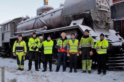 Rulla-Risto takaisin raiteille – oululainen Lasse Tauriainen kunnostaa historiallista höyryveturia ajokuntoon