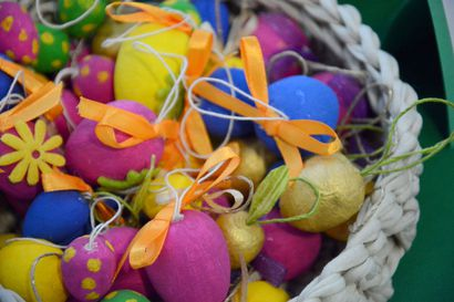 Tulli ja Tukes: pääsiäismunien lelukapselien turvallisuudessa selkeästi parantamisen varaa – katso tästä määräystenvastaiset munat
