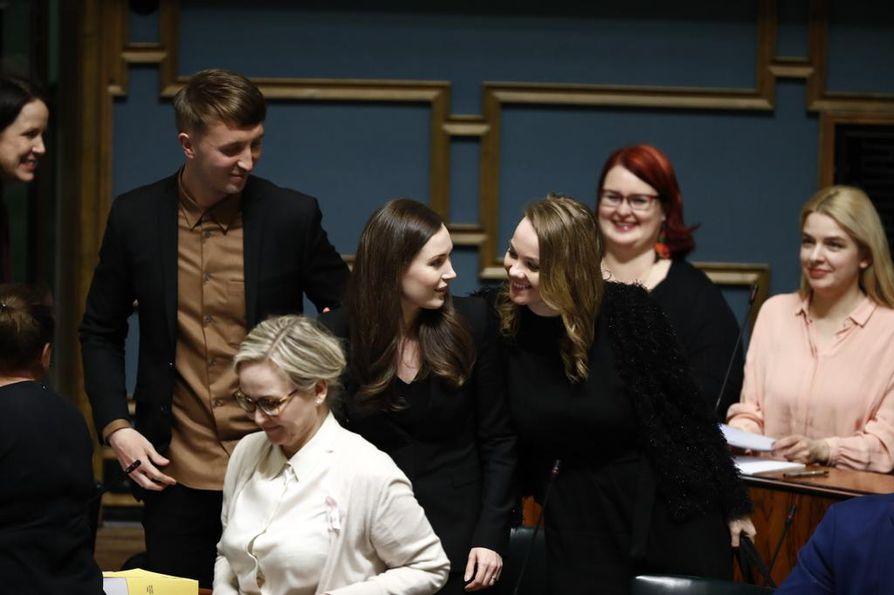 Sdp:n Sanna Marin äänestettiin iltapäivällä eduskunnassa uudeksi pääministeriksi.