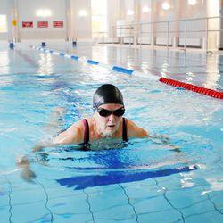 Ahkera uimari suosii sarjalippuja tai kausikortteja