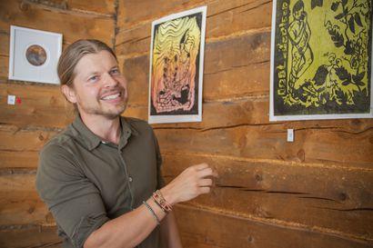 Opettaja, taiteilija ja intohimoinen kasviharrastaja unelmoi villiintyneestä puutarhasta –Asko halusi avata ensimmäisen yksityisnäyttelynsä nimenomaan Hailuotoon