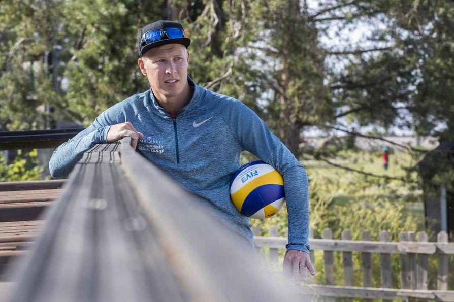Jyrki Nurminen jakaa lajioppia harrastajapelaajille omalla kurssillaan tiistaina ja keskiviikkona.