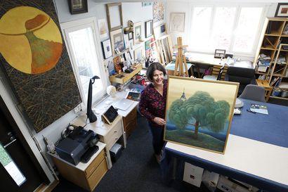 Miten taidehankinnoissa pääsee alkuun ja mihin teoksen kotona panisi? Galleristi, taiteilija ja taidejärjestön edustaja neuvovat
