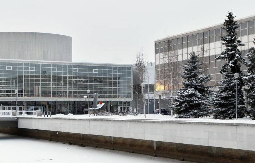 Sakari Topeliuksen rintakuva seppelöidään pääkirjastossa perjantaina.