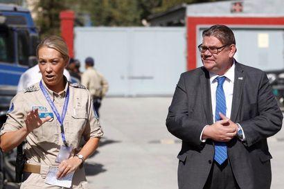 """Niina Koivisto toimi neuvonantajana Afganistanin poliisijohdolle ja joutui """"natsatestiin"""" – myös paikallisia naisia paljon korkeissa tehtävissä"""