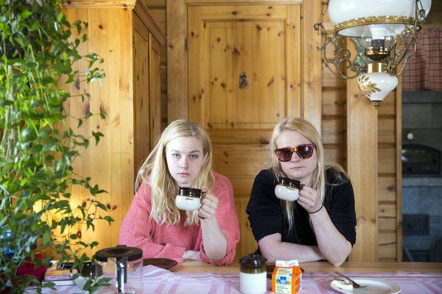 Siskokset Kaisa ja Anna Karjalainen muodostavat Maustetytöt-yhtyeen. He esiintyvät Untorockissa perjantaina 14.6.