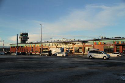 Viime talvena tuli päivässä yhtä monta lentoa kuin nyt viikossa – Ivalon lentokentällä odotetaan hallituksen päätöksiä ja rokotetta