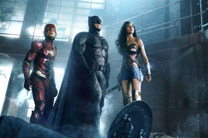 Synkistelijät pelastavat maailmaa – Snyderille tuttuun tapaan meno torstai-illan elokuvassa on koleaa