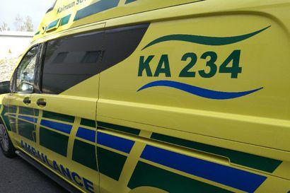Neljä ihmistä loukkaantui kahden henkilöauton nokkakolarissa Viitostiellä Paltamossa