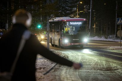 Käteisen käyttö loppuu Oulun busseissa koronatilanteen vuoksi