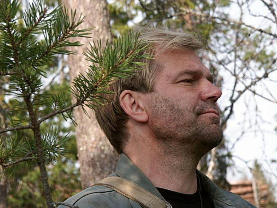 Näyttelijä Kari Lehtinen on vuokrannut Vuotson Porokylän.