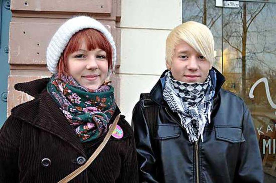 Janne Naakka ja Fanni Moilanen lähtivät ehdolle nuorisovaaleihin, jotta nuorten ääni saataisiin kaupungissa vihdoin kuuluviin.