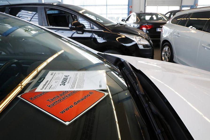 Autojen kohdalla maan hallitus uskoo enemmän porkkanaan kuin keppiin. Tarjolla on diesel-kieltojen sijaan romutuspalkkioita sekä hankinta- ja muuntotukia.