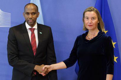Somalian pääministeri joutui eroamaan – ensimmäiset suorat vaalit sisällissodan vuosikymmenten jälkeen ovat vaarassa