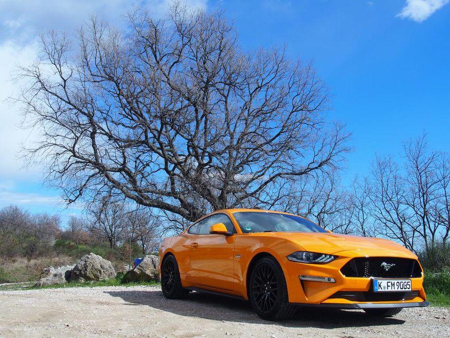 Mustangilla on ollut ikoninen maine autoharrastajien keskuudessa heti vuodesta 1964 lähtien. Näyttävä Orange Fury on yksi jenkkiauton uusista ulkovärivaihtoehdoista.