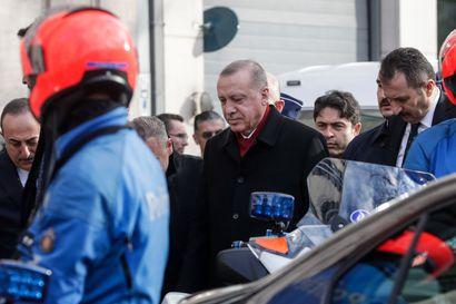 """""""Yksikään Euroopan maa ei voi jättäytyä sivuun siirtolaiskysymyksestä"""" – Erdogan vaati lisätukea Brysselissä"""