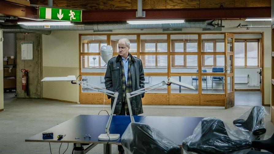 Peter Wendelin (Robert Gustafsson) yrittää saada porukkaa uuteen ratkaisemattomiin tapauksiin keskittyvään ryhmäänsä.