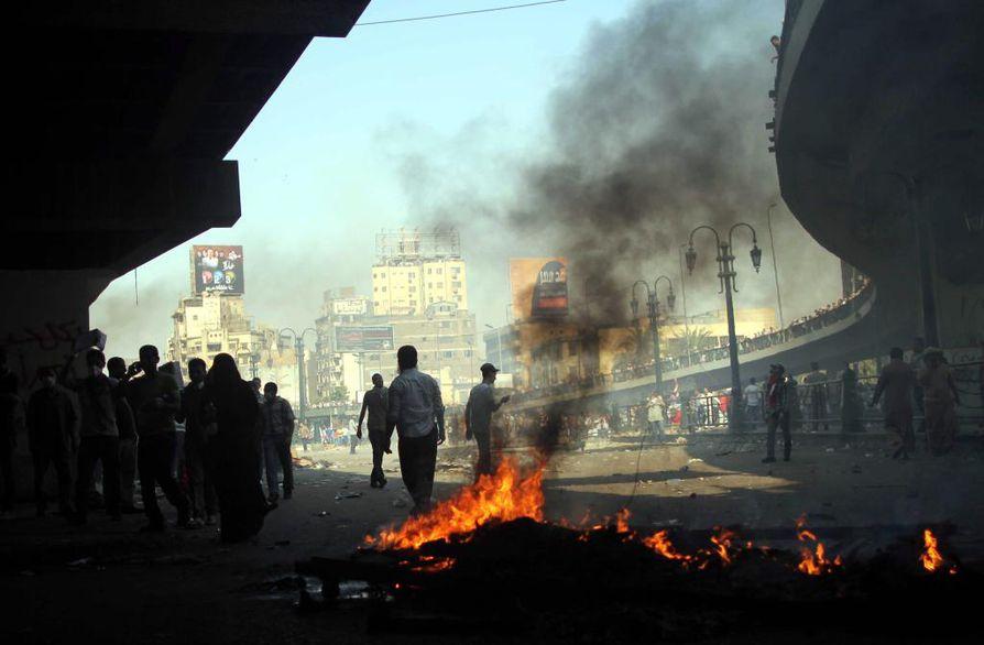 Egyptin protestit ovat levinneet myös maan ulkopuolelle. Esimerkiksi Israelissa, Pakistanissa ja Turkissa on järjestetty tukimielenosoituksia Mursille.