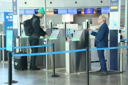 Finavia: Lentomatkustajien määrä putoaa miljoonilla Suomen lentokentillä – Vaikutuksia myös lentokentillä toimiviin yrityksiin