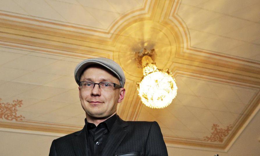 Ohjaaja Mika Ronkaisen mukaan tiet Klaffin kanssa erkanivat yhteisymmärryksessä.