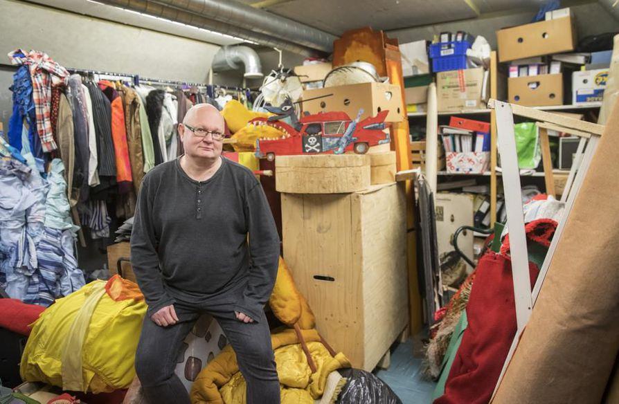 """""""Haasteelliseksi Hupisaarten teatterin monikäytön tekee se, jos se menee varauskirjaperiaatteella. Näkisin, että Hupisaarten teatterilla pitäisi olla oma tuottaja"""", Akseli Klonkin taiteellinen johtaja Janne Kuustie ehdottaa."""