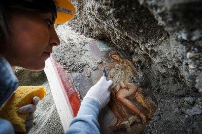 Ria Berg löysi muinaisesta lyhdystä tekstiviestin menneisyydestä – Pompeijista löytyy yhä uusia todisteita yllättävänkin modernista arjesta 2000 vuoden takaa