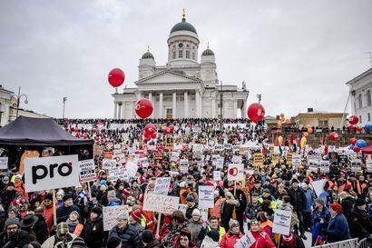"""Teknologiateollisuus arvostelee liittojen lakkoilmoituksia – """"Neuvotteluissa on kyse suomalaisista työpaikoista eikä siitä, kuka on kovin ay-johtaja"""""""