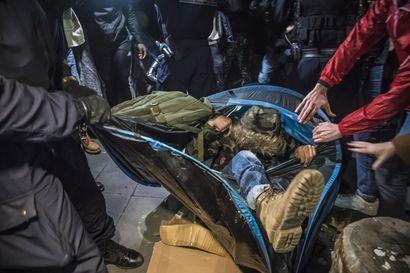 Ranska aloitti tutkinnan poliisin voimankäytöstä siirtolaisten häätämisessa Pariisin keskustassa