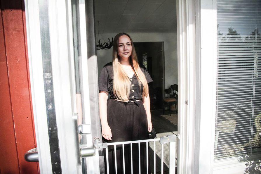 Sofia Partasta pelottaa liikkua kodin ulkopuolella koiran hyökkäyksen jälkeen.