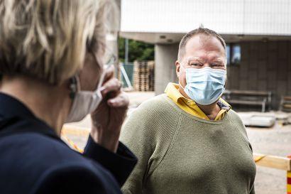 Karanteenitilojen löytäminen koronalle altistuneille marjanpoimijoille on hankalaa – Lapin sairaanhoitopiiri kutsui kokoukseen  ministeriön, THL:n ja Rovaniemen kaupungin