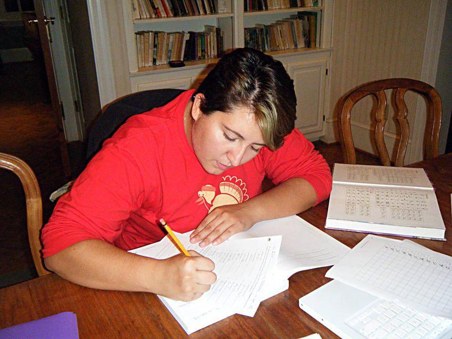 Deanna Gonzales tekee lujasti töitä voidakseen pitää stipendinsä.