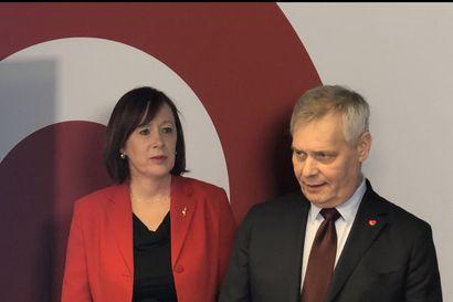 Antti Rinteellä ja Sirpa Paaterolla taitaa olla sama suunta –  keskustan epäluottamus ei voi enää johtaa muuhun kuin pääministerin vaihtumiseen