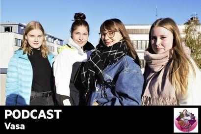"""Kuuntele Vasan podcast: Savanna Kauppila tuli raskaaksi 17-vuotiaana: """"Minulla kuvottaa kuulla sana teiniäiti"""" – Miten nuoret oppivat terveestä seksielämästä, jos aikuiset eivät osaa siitä puhua häpeilemättä edes kouluissa?"""
