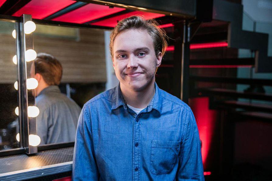 Rauhallisen oloinen Eelis Saurio, 16, on X Factor Suomen nuorimpia kilpailijoita.