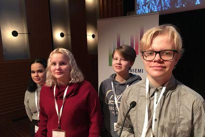 Ilmastokonferenssi alkoi Rovaniemellä: Nuoret vaativat lisää puurakentamista, vegaanisia lounaita ja pullopantteja koko Eurooppaan