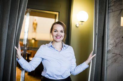 """Ministerin pestistä eronneen Katri Kulmunin tie politiikan huipulle on ollut suoraviivainen ja nopea – """"Kuvittelin pitkään, että kaikki kansanedustajat ovat superihmisiä"""""""
