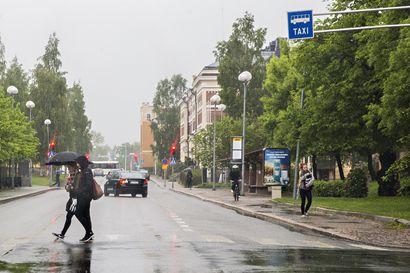 Tuleva viikko tuo mukanaan tyypillistä elokuun lopun säätä – maanantaina ukkostaa, sadekuuroihin voi varautua päivittäin