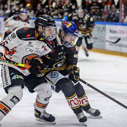 """19-vuotias Tuukka Tieksola juhlistaa tuoretta NHL-sopimustaan illallisella tyttöystävänsä kanssa – ensi kaudella pelit jatkuvat Kärppien paidassa: """"Tavoite on se, että olen vuoden päästä valmis lähtemään rapakon taakse"""""""